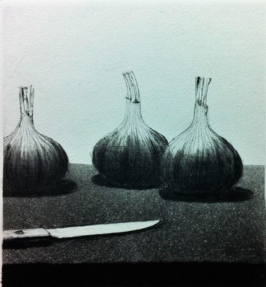 Kolme valkosipulia ja veitsi v1996